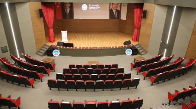 Melikgazi'nin yeni tiyatro salonu kullanıma hazır