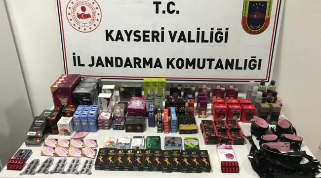 Kayseri'de kaçak cinsel hap ve malzemeler ele geçirildi